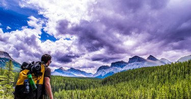 abraham-lake-alberta-hiking